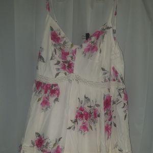 NWT Torrid 2x white floral maxi dress